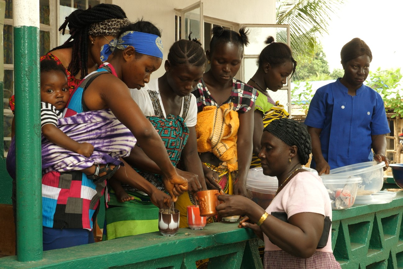Porridge is distributed free of charge to women bringing their children to the clinic